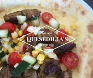 Quesedilla's met gekruid gehakt en salsa