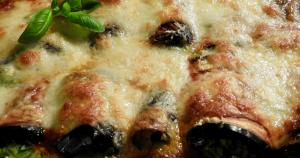 Italiaanse auberginerolletjes met ricotta en spinazie