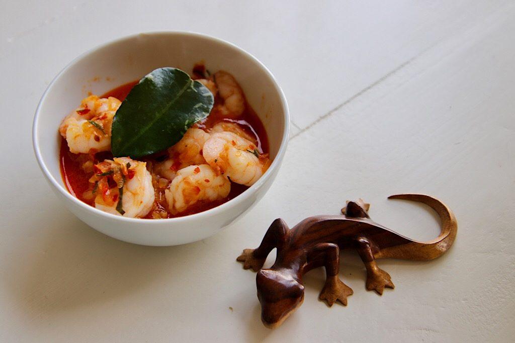 Sambal udang, Indonesische pittige garnalen met djeroek poeroet blad